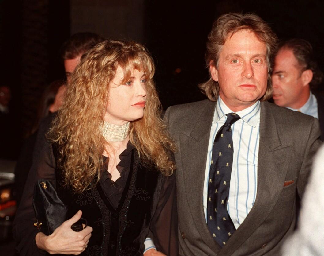 SKILTE LAG: Michael Douglas skilte seg fra kona Diandra (avbildet) i 2000. Kort tid etter møtte han sin nåværende kone, Catherine Zeta-Jones.  Foto: Ap