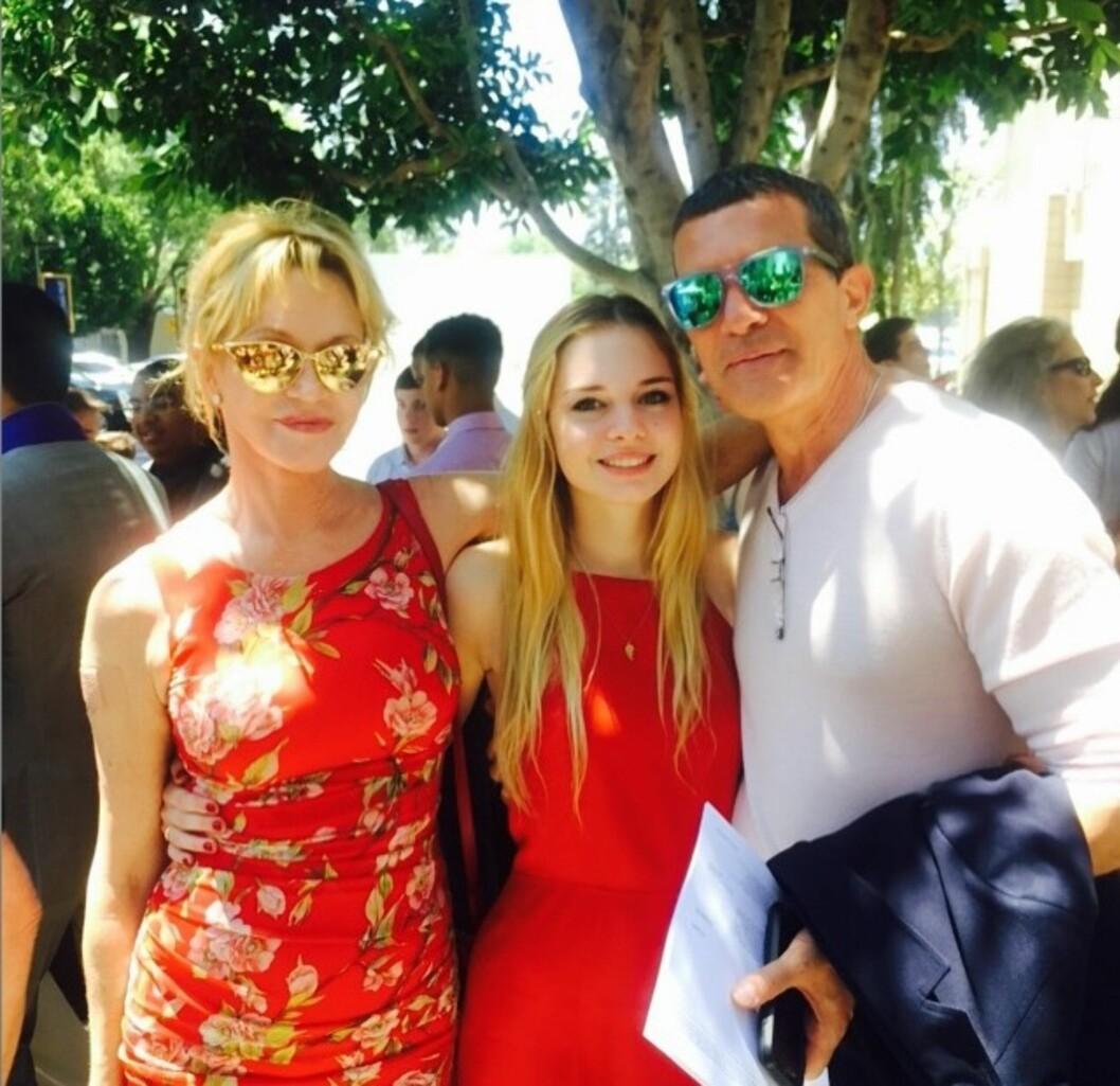 <strong>STOLTE FORELDRE:</strong> I juni i fjor ble eksene gjenforent for å feire datteren Stellas vitnemål.