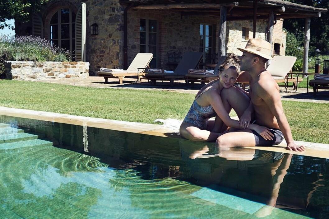 FIKK BARN: Chrissy Teigen og John Legend slet lenge med å bli gravide.  Foto: SipaUSA