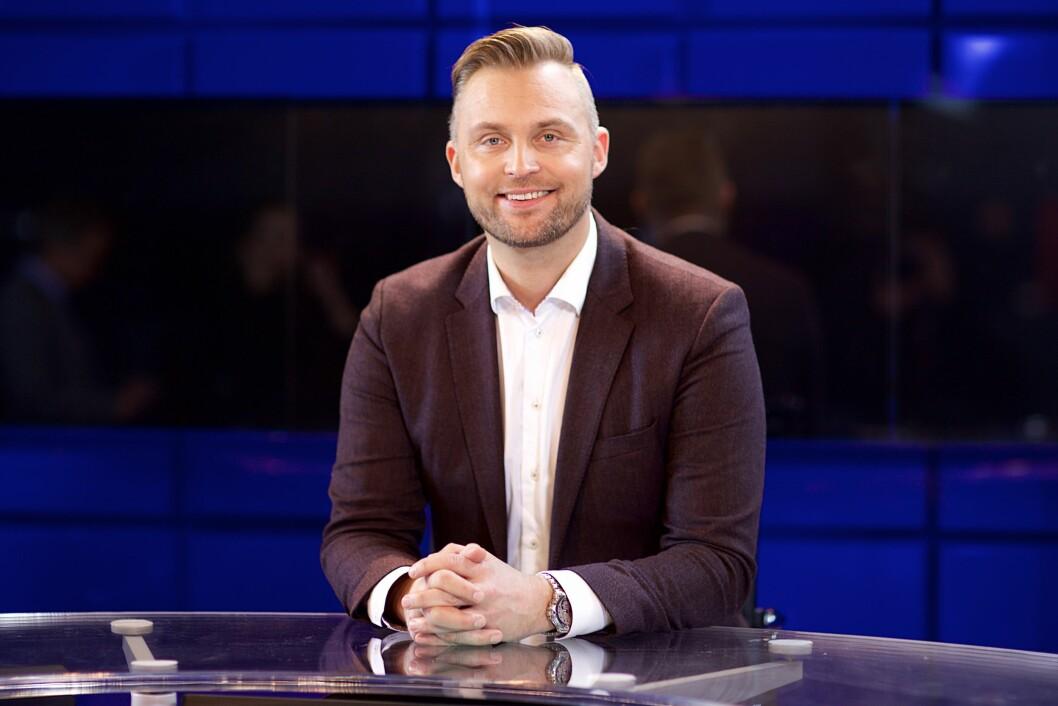 TETT PROGRAM: Jon Hartvig Børrestad er en del av TV 2s Tippeliga-satsing i 2016, noe som betyr at han har en jevn strøm av fotballkamper å dekke. Foto: Alex Iversen/ TV 2