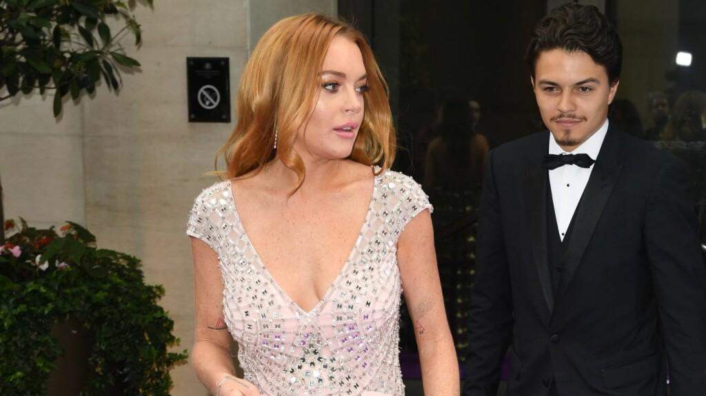 BLE OPPSØKT AV POLITIET: Lindsay Lohan og forloveden Egor Tarabasov skal ha kranglet heftig i helgen. Nå ber skuespilleren om å få løse problemene dem imellom i fred.  Foto: Xposure
