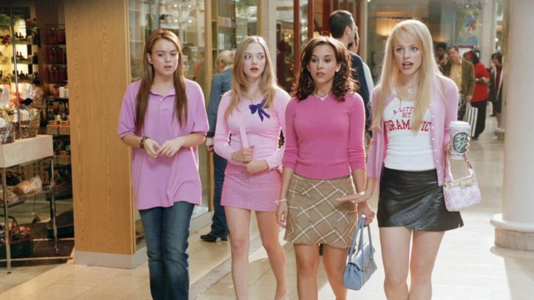 """BRAKSUKSESS: Lindsay Lohans karriere tok virkelig av da hun spilte Kady i komedien """"Mean Girls"""" i 2004. Her er hun i en scene sammen med kollegaene (fra venstre) Amanda Seyfried, Lacey Chabert og Rachel McAdams. Foto: Scanpix"""