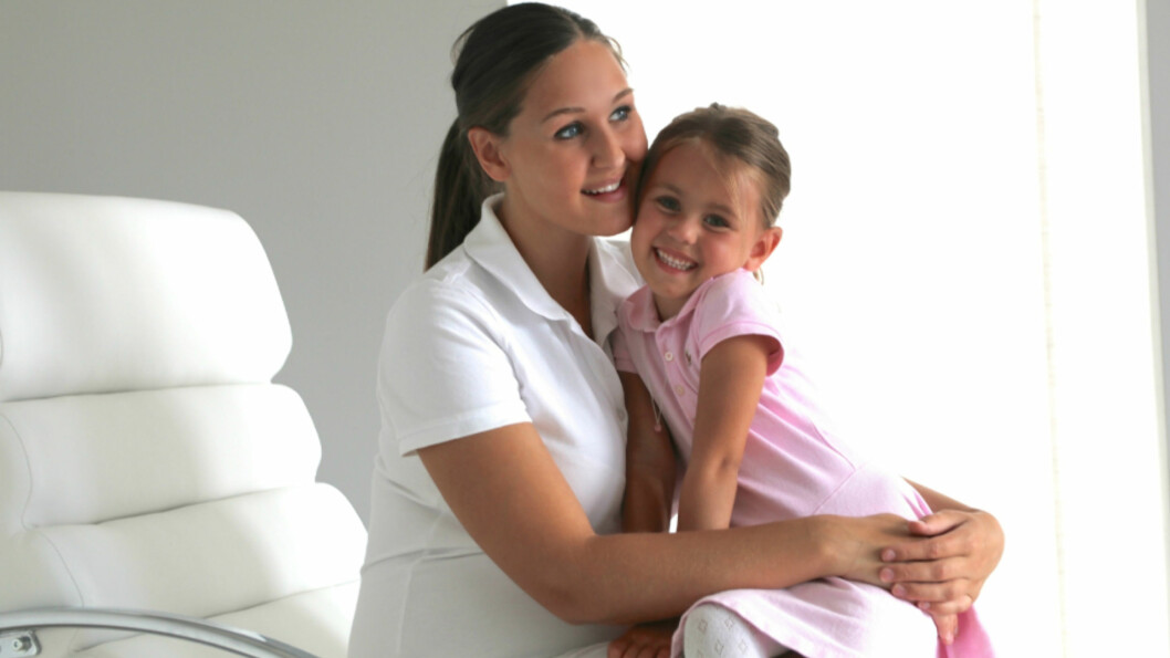 DRAMATIKK I FAMILIEN: Mandag denne uken reiste Anna Rasmussen og datteren Michelle til Oslo for å være gjester i «God sommer Norge» på TV 2. De to skulle kose seg på bytur, men stemningen ble rast endret da Michelles lillebror ble syk. Foto: Privat/ mammatilmichelle.blogg.no