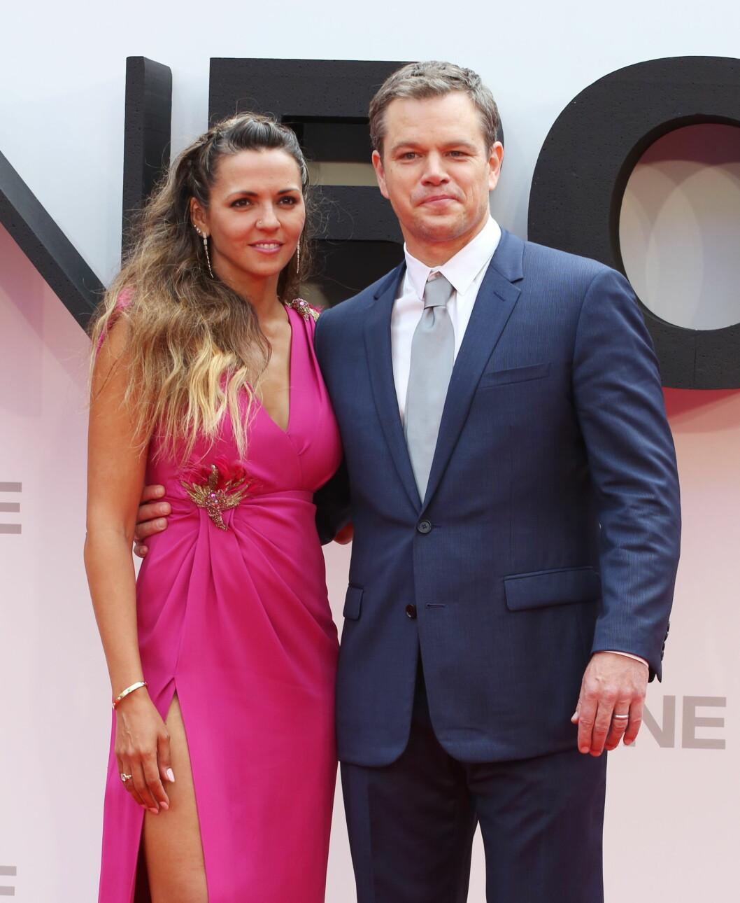 STOLT AV KONA: Matt Damon legger ikke skjul på at han er like forelsket i kona Luciana, over ti år etter at de giftet seg. Foto: wenn.com