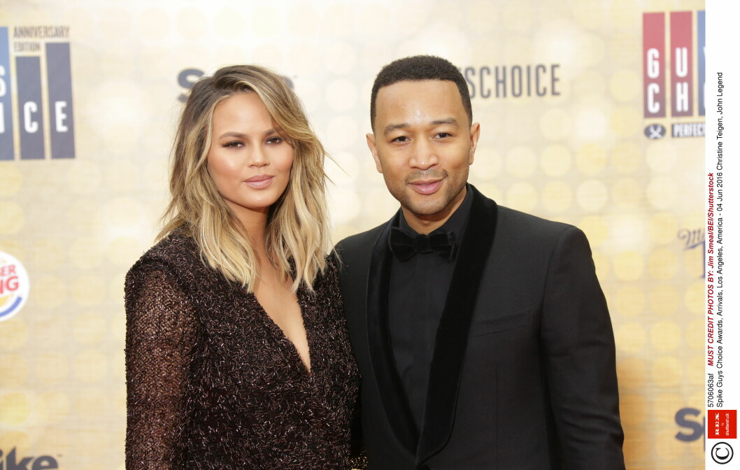 SUPERPAR. Chrissy Teigen og sangstjernen John Legend har vært et par siden 2007, da de møttes under innspillingen av Legends musikkvideo til låten «Stereo». Foto: Rex Features