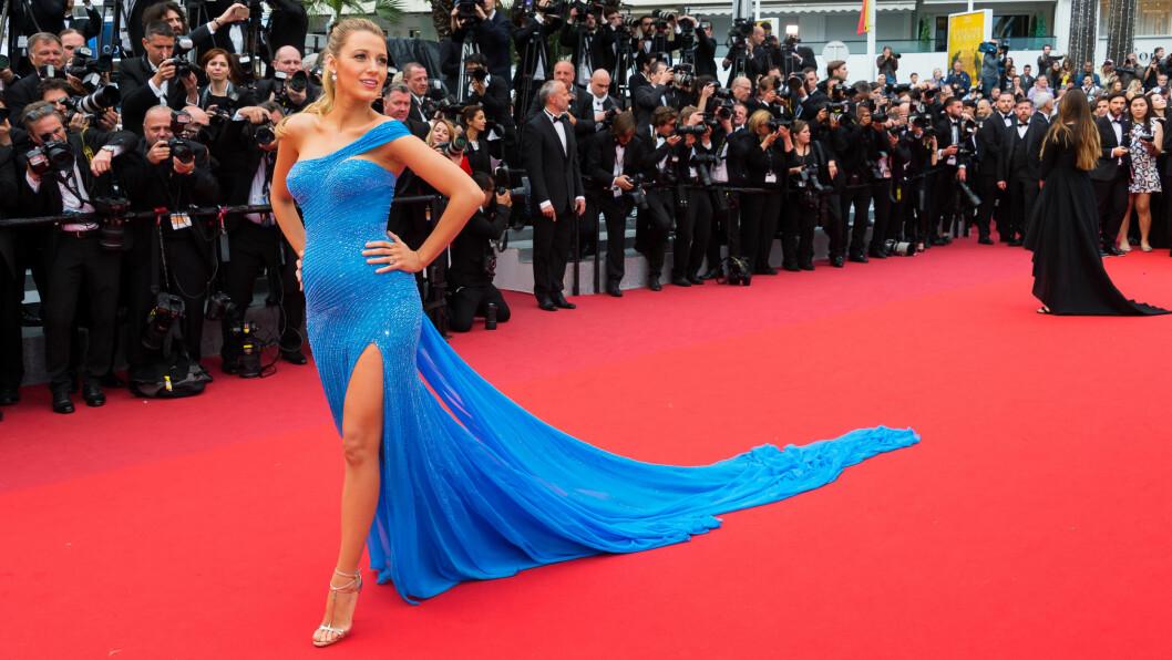ELEGANT: Blake Lively stråler alltid på den røde løperen. Her er skjønnheten under filmfestivalen i Cannes tidligere i år.  Foto: Abaca