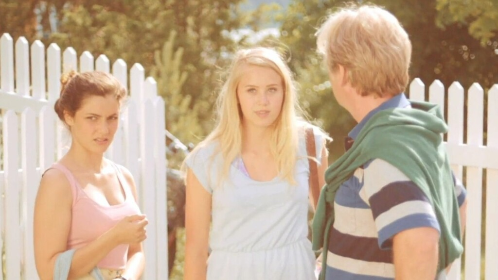 ETTERTRAKTET: Josefine Frida Pettersen spilte en liten rolle i den populære TV Norge-serien «Neste sommer».  Foto: TVNorge