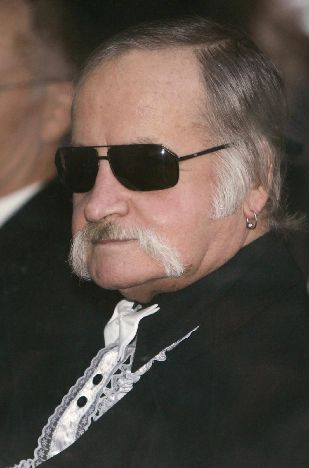 TØFF OPPVEKST: Keiths far Robert døde for et halvt år siden. Her er han i bryllupet til sønnen og svigerdatteren i 2006. Foto: NTB Scanpix