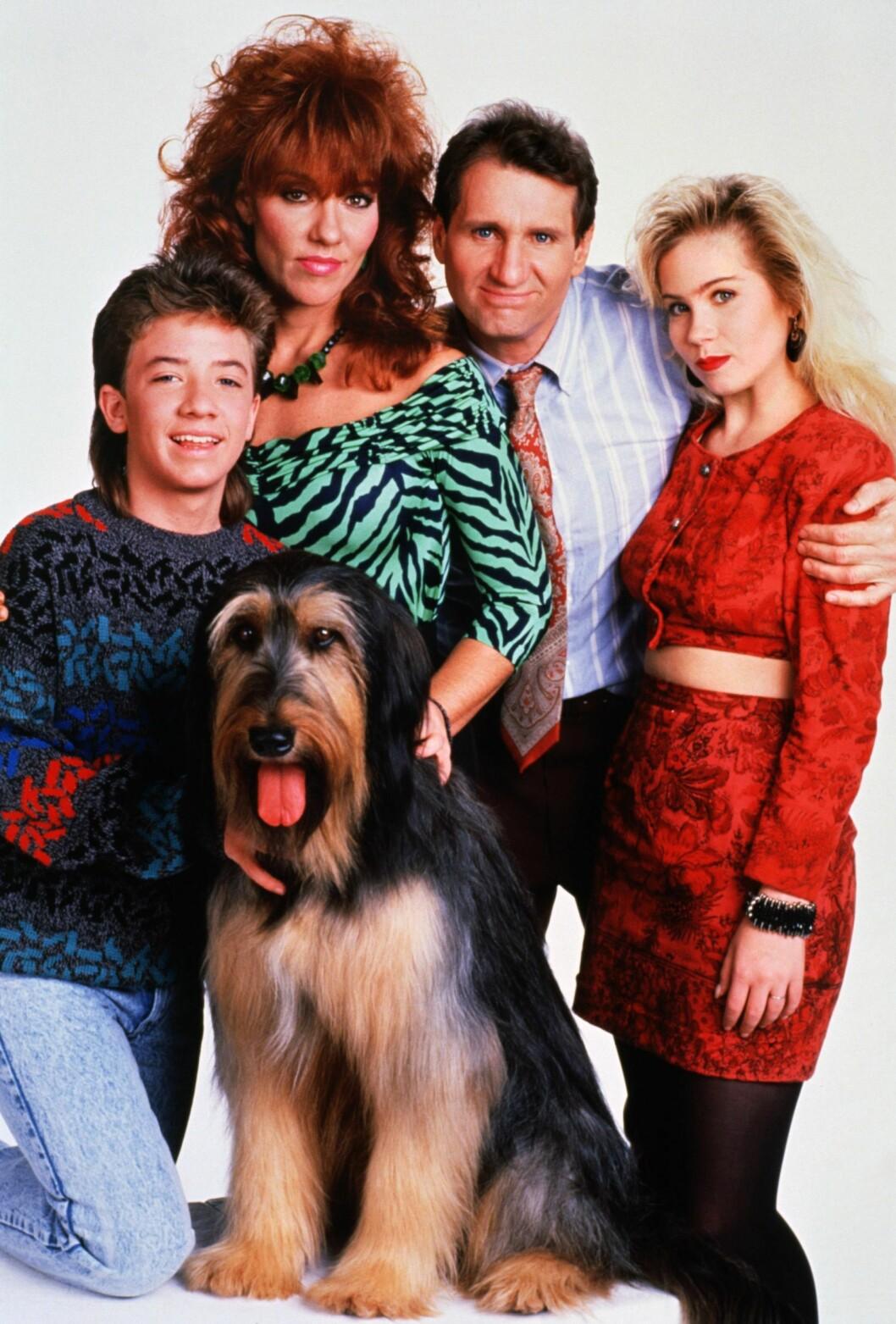 TV-STJERNER: Katey Sagal, Ed O'Neill og David Faustino og Christina Applegate gjorde stor suksess på 80- og 90-tallet med sine roller i TV-serien «Våre verste år».  Foto: COLUMBIA PICTURES TELEVISION / Album