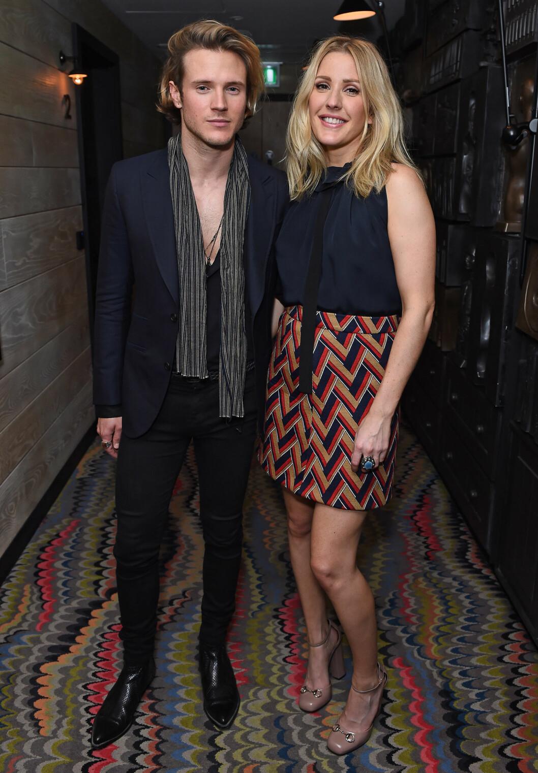 EKSEN: Ellie Goulding avbildet sammen med Dougie Poynter i London i oktober 2015.  Foto: Xposure