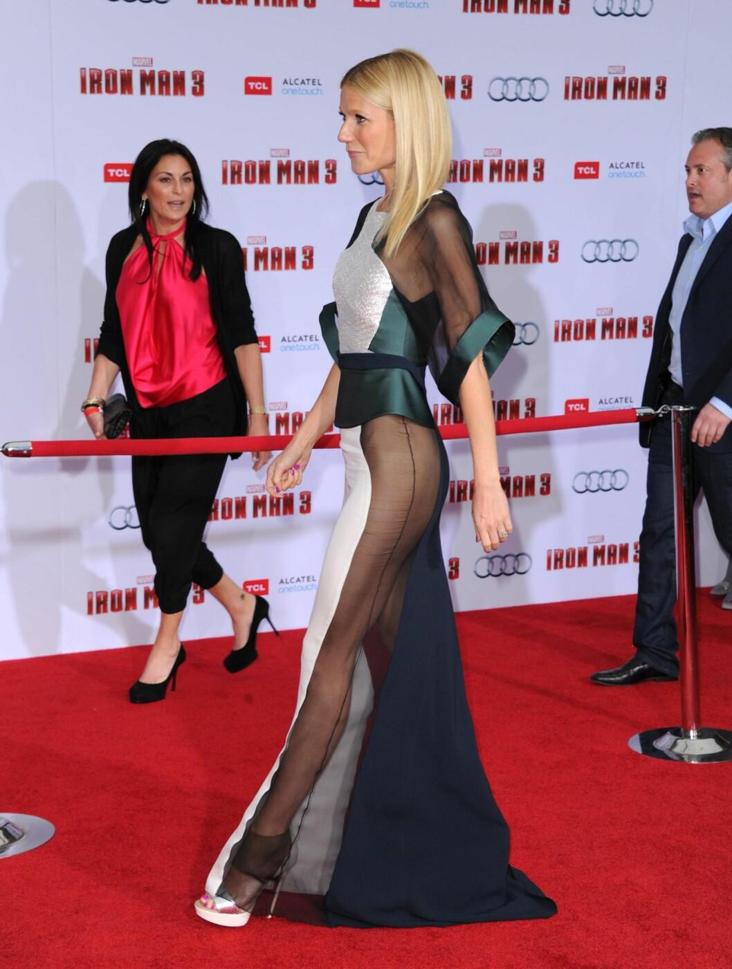 <strong>VAKTE OPPSIKT:</strong> Gwyneth Paltrow sikret seg alles oppmerksomhet da hun dukket opp i denne kreasjonen under «Iron Man 3»-premieren i 2013. Foto: Abaca