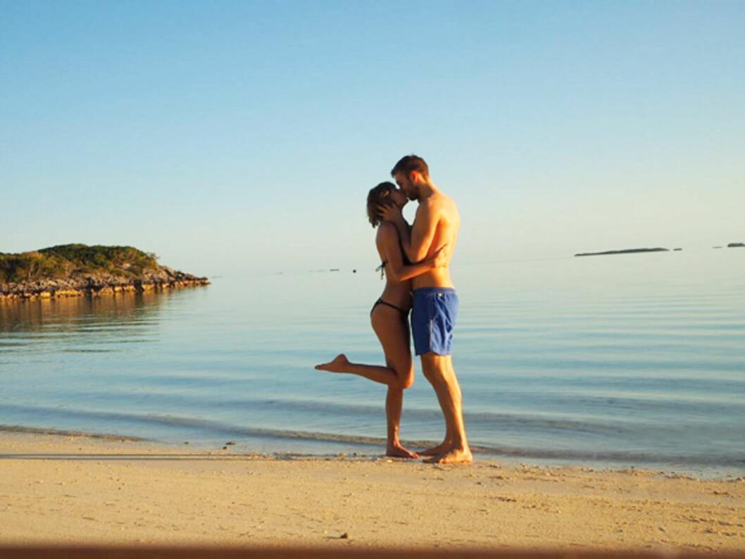 ROMANTISK: Paret delte romantiske feriebilder i sosiale medier da de ferierte sammen i mars.  Foto: Xposure