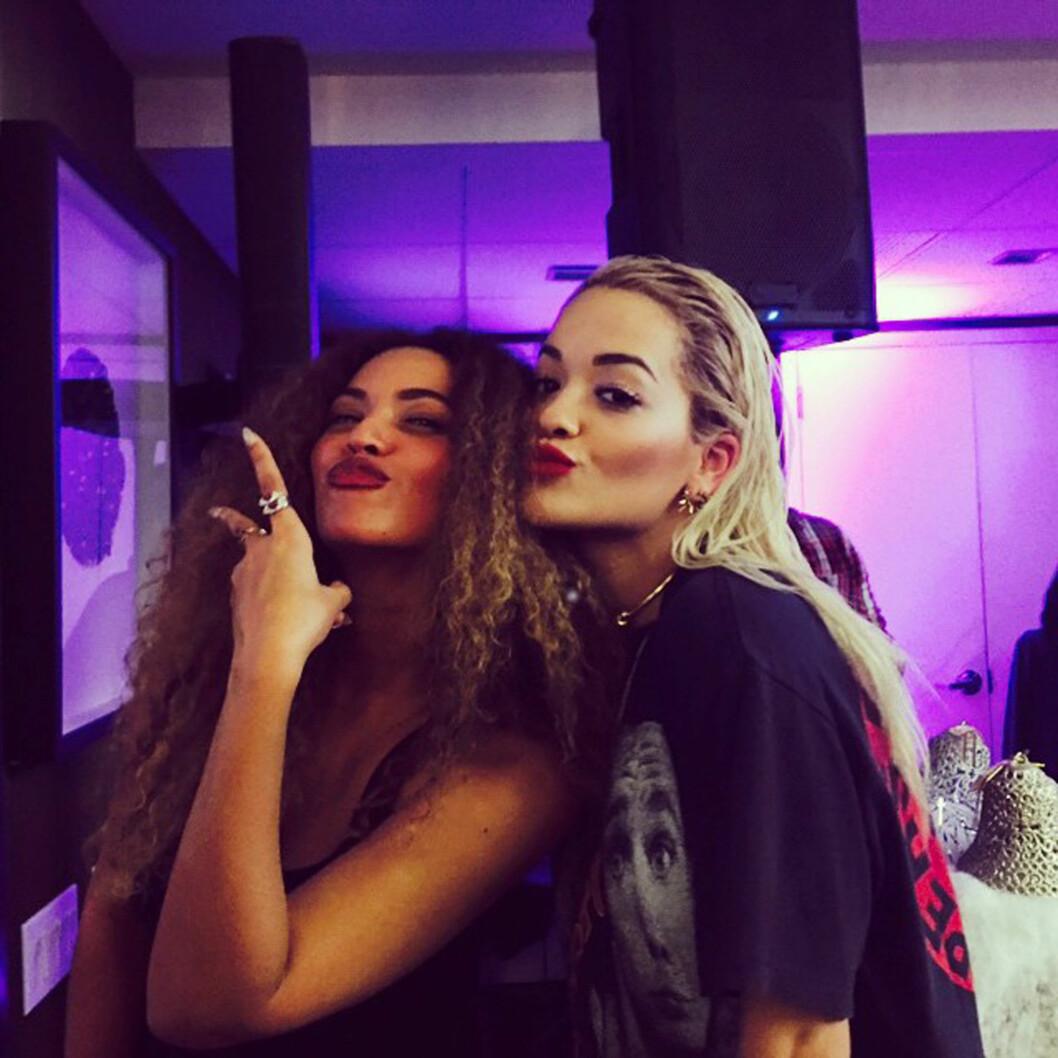 VENNINNER: Rita Ora (t.h) har avlivet utroskapsryktene, blant annet ved å dele bilder sammen med Beyoncé i sosiale medier.   Foto: Xposure