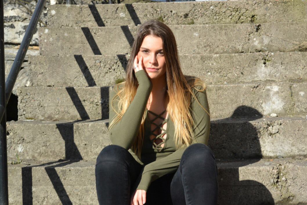 FEIL VALG: Sandra Brataker er i dag kjæreste med Jørgen William Hagen Haug, og mener hun tok feil valg da hun gikk til sengs med Øystein.
