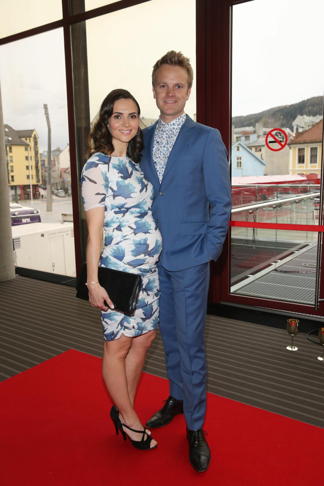 <strong>PÅ FEST:</strong> Erik Solbakken og hans kone Ellen. Foto: Andreas Fadum, Se og Hør