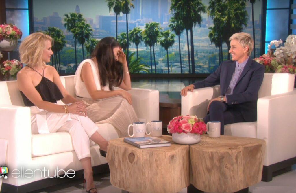 SATT UT: Mila Kunis mistet munn og mæle da både Ellen DeGeneres og Kristen Bell spurte om sexlivet hennes med ektemannen Ashton Kutcher.  Foto: Skjermdump