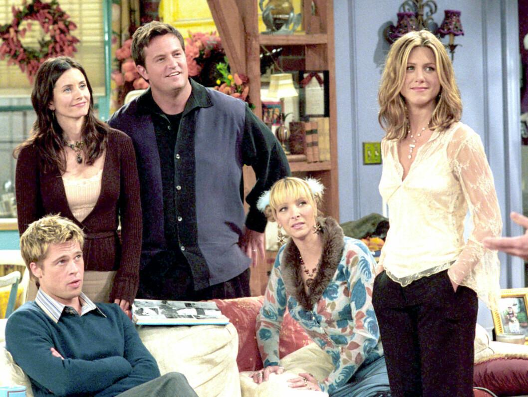 TV-STJERNER: Courteney Cox, Lisa Kudrow og Jennifer Aniston under innspillingen av Friends. Foto: Stella Pictures