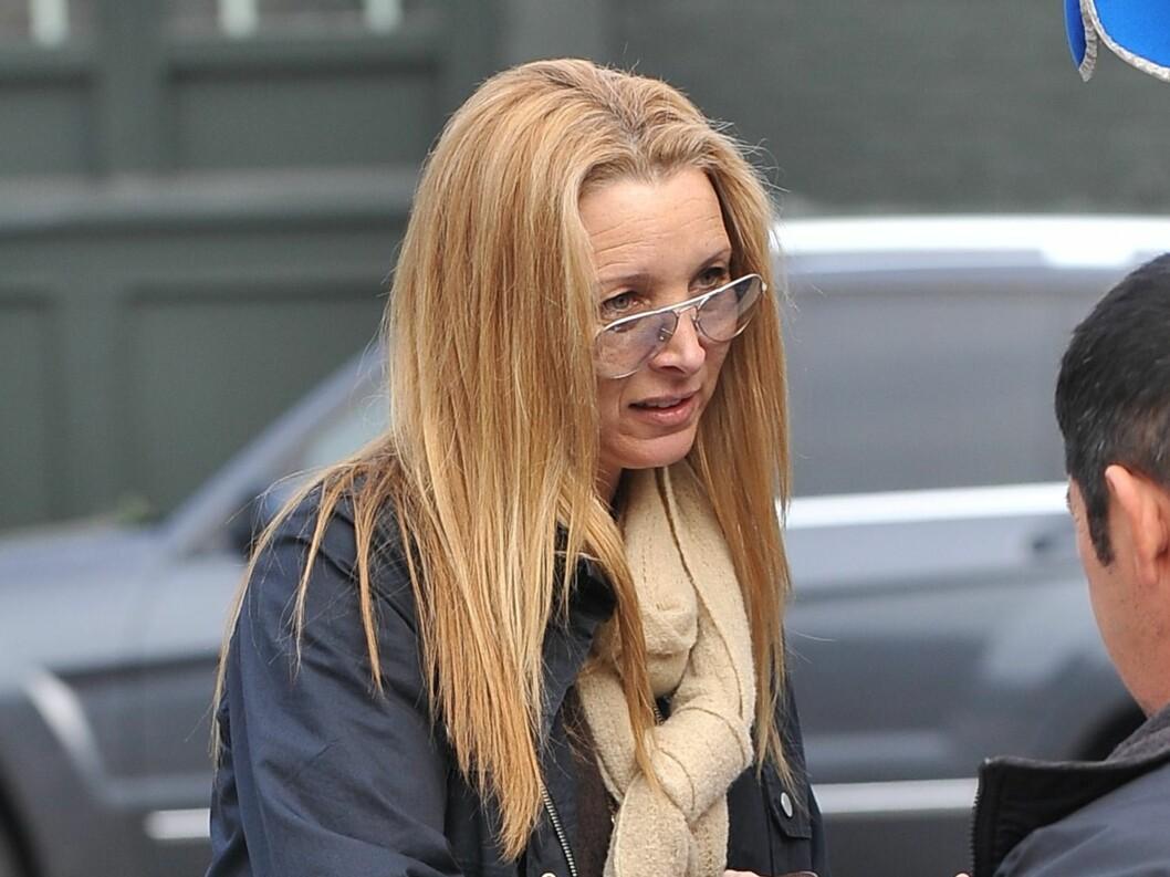 UTE TIL LUNSJ: Lisa Kudrow ute til lunsj i Los Angeles.  Foto: All Over Press