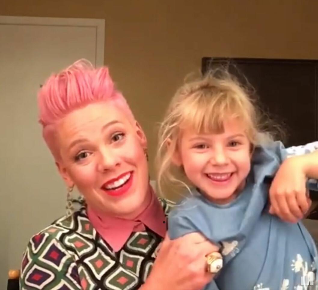 MOR OG DATTER: Neste måned fyller Pink og Careys hjerteknuser, Willow, fem år. Popstjernen deler ofte bilder av datteren på sosiale medier. Foto: NTB Scanpix