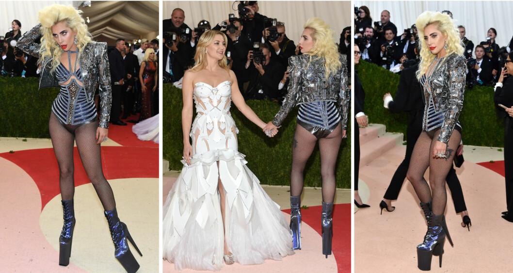 <strong>FIKK OPPMERKSOMHET:</strong> Lady Gaga poserte sammen med skuespiller Kate Hudson (midten) på Met-gallaen, men det vågale, robot-inspirerte antrekket hennes får både ros og ris.  Foto: NTB Scanpix