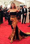 Hvordan låne kjole couture – O2S