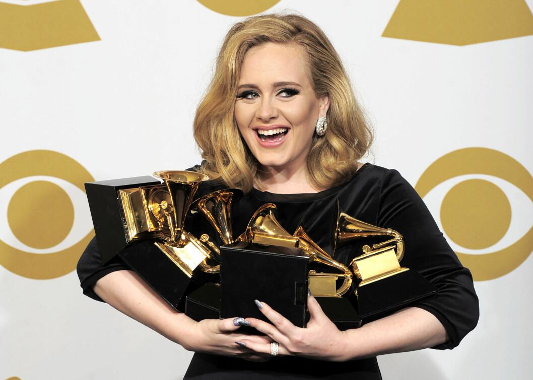<strong>PRISVINNER:</strong> I 2012 fikk sangstjernen Adele Adkins hele seks Grammy-priser på én kveld.  Foto: Ap