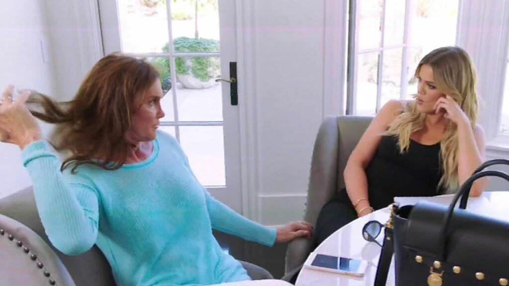 ANSTRENGT FORHOLD: Khloe Kardashian hevder hun er ferdig med Caitlyn Jenner (t.v.) etter at forholdet mellom de to skal ha blitt anstrengt. Foto: Xposure