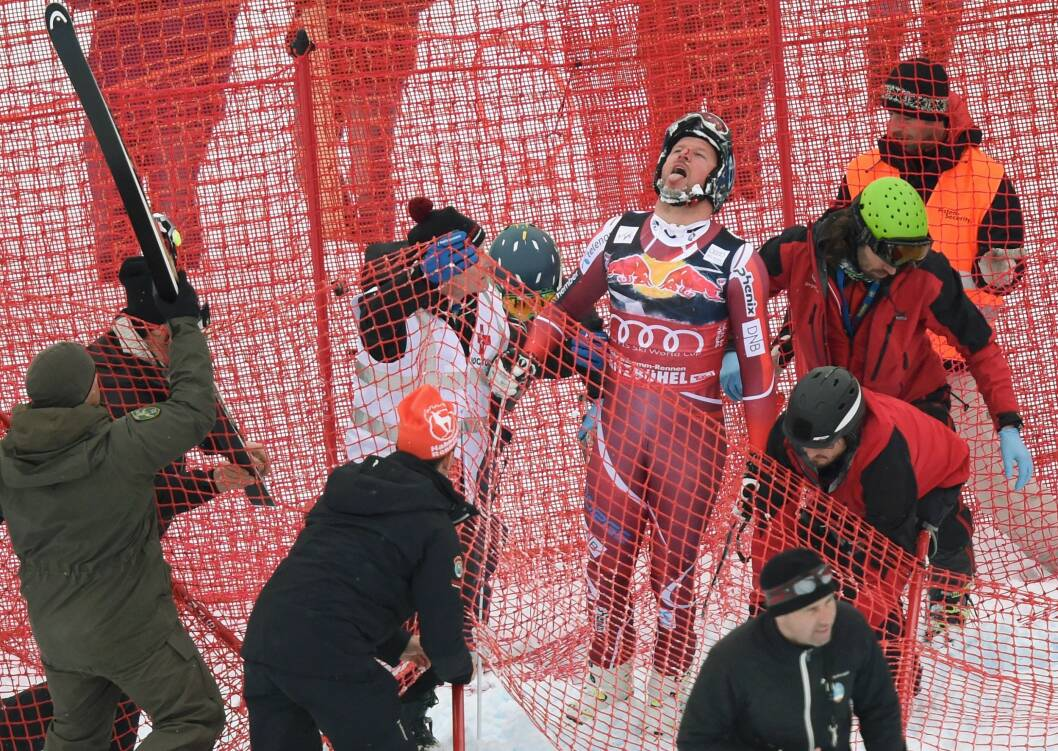 FALT STYGT: Den 23. januar var uhellet ute for alpinist Aksel Lund Svindal, da han stod ned monsterbakken i Kitzbuhel i Østerrike. Foto: Afp