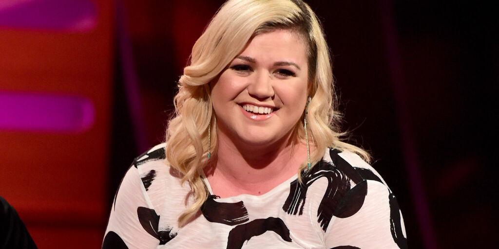 image: Kelly Clarkson viste frem sønnen for første gang
