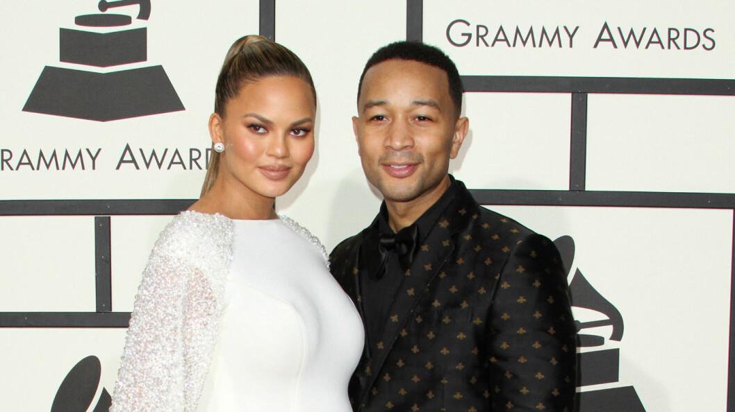 BABYLYKKE: Chrissy Teigen og John Legend fikk endelig en datter torsdag denne uken.  Foto: wenn.com