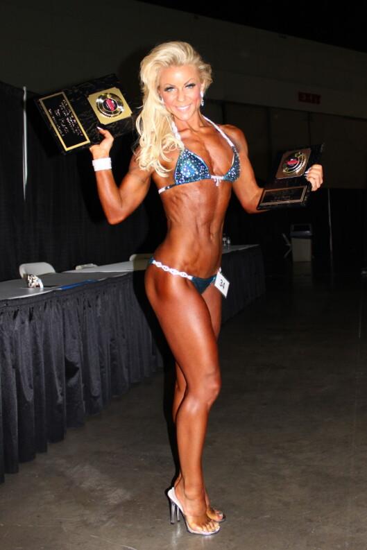 STOLT: I januar stakk Lene Alexandra av med både gull- og sølvmedalje i bikini-fitness konkurransen «Ironman Naturally» i Los Angeles. Foto: Henriette Høigilt