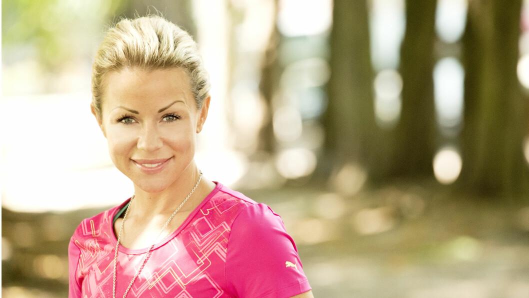 - JEG ER KJEMPELEI MEG: Lene Alexandra Øien beklager seg på bloggen etter hun kalte diagnosen Ulcerøs Kolitt for en livsstilssykdom.  Foto: Hennng Jensen, Se og Hør