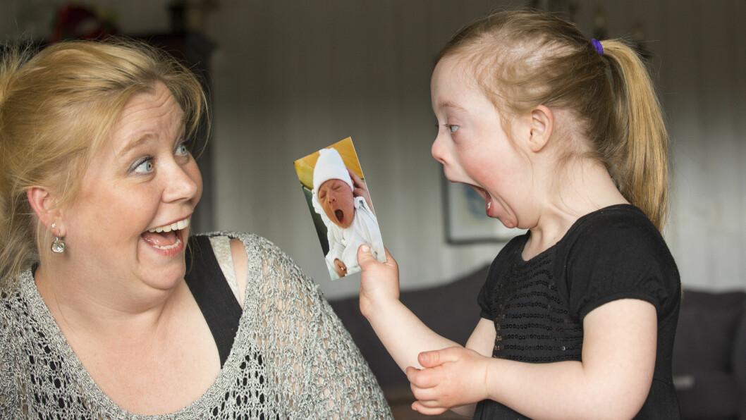 <strong>EKTE GLEDE:</strong> Lea Bjørgum Tolboe har fått mange hyggelige tilbakemeldinger etter at dette herlige bildet av datteren Pia nå er nominert til årets magasinbilde.  Foto: TOR LINDSETH/SE OG HØR