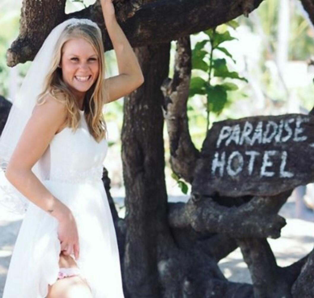 BRUD: Malin Håvardsdotter Jensen sjekket inn som gifteklar brud. Foto: TV3