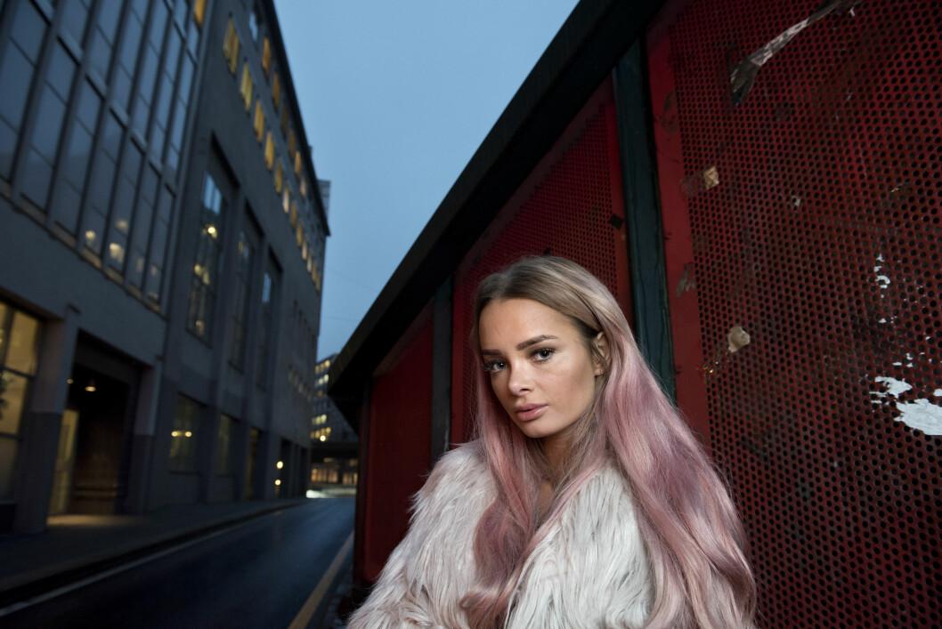 <strong>PROFILERT:</strong> Toppbloggeren er blitt en tydelig stemme i samfunnsdebatten, og i høst ble Sophie Elise Isachsen kåret til Årets blogger på Se og Hørs Kjendisgalla.  Foto: Samfoto