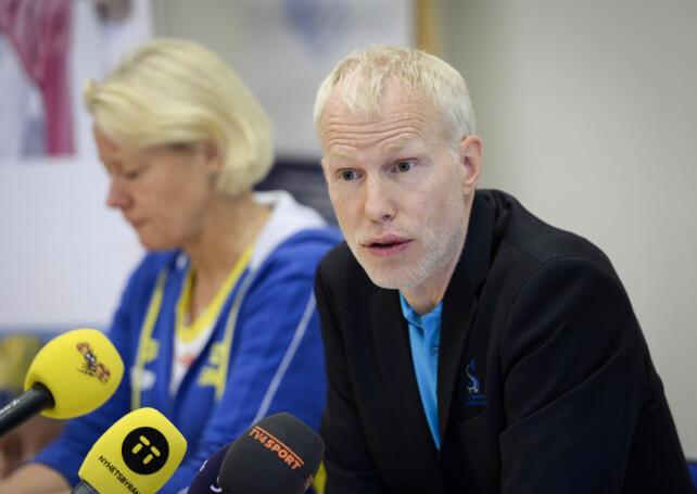 KLARGJORDE PÅ PRESSEKONFERANSE: Sportssjef Henrik Forsberg. Foto: NTB Scanpix