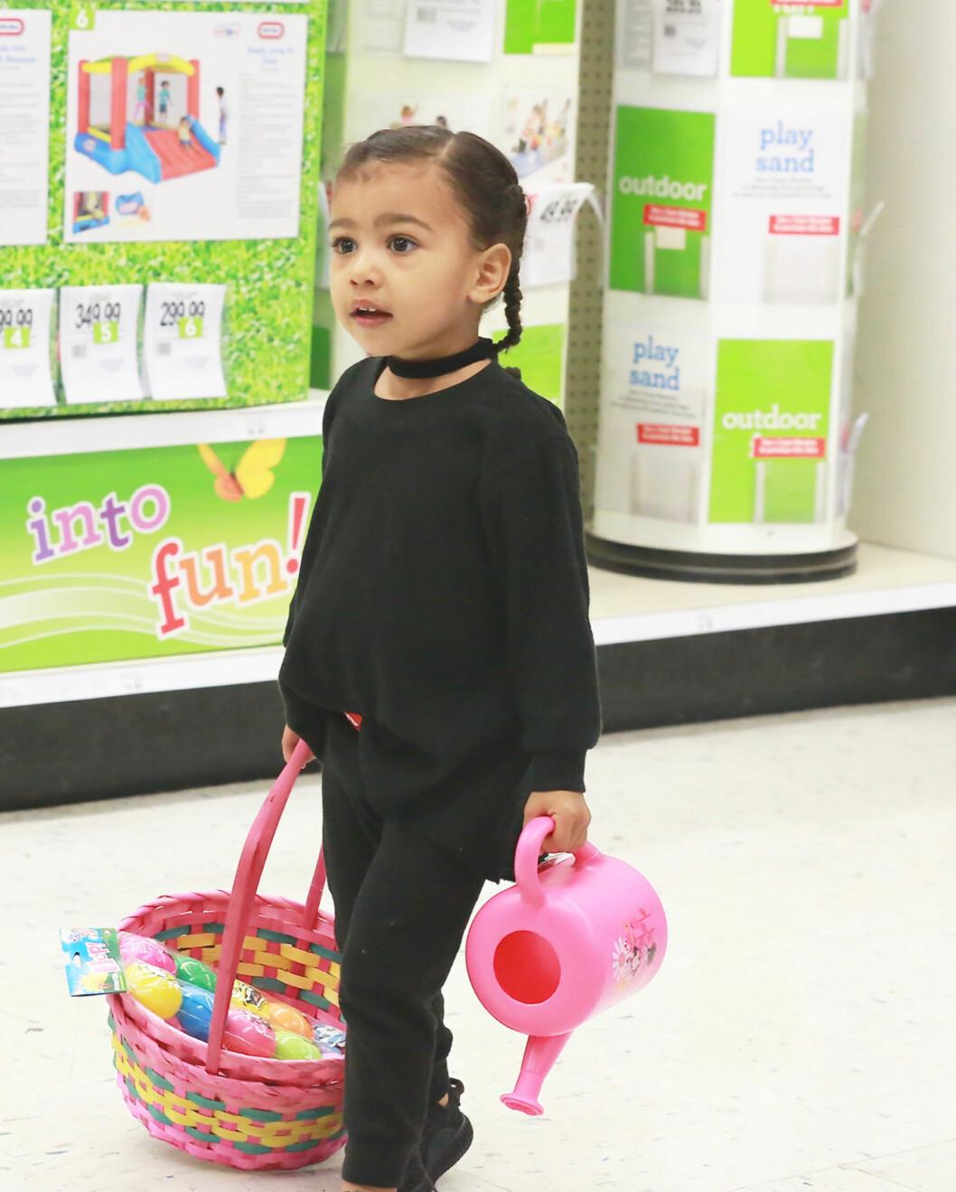 TRENGER MYE OPPMERKSOMHET: Vesle North har blitt en håndfull etter at Kim Kardashian ble mamma for andre gang.  Foto: Splash News