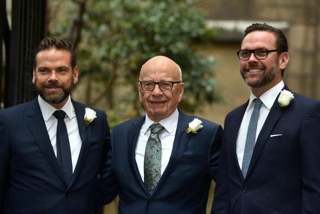 <strong>FAR OG SØNNER:</strong> Rupert (i midten) sammen med sønnene Lachlan (t.v) og James.   Foto: wenn.com