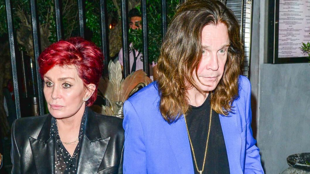 <strong>FREKKE SIDESPRANG:</strong> Sharon Osbourne, som har vært gift med rockeikonet Ozzy Osbourne siden 1982, avslører at ektemannen havnet til sengs med flere av familiens barnepiker. Her er de to ute på middag i Hollywood i september 2015. Foto:  INFPhoto.com/ Splash News