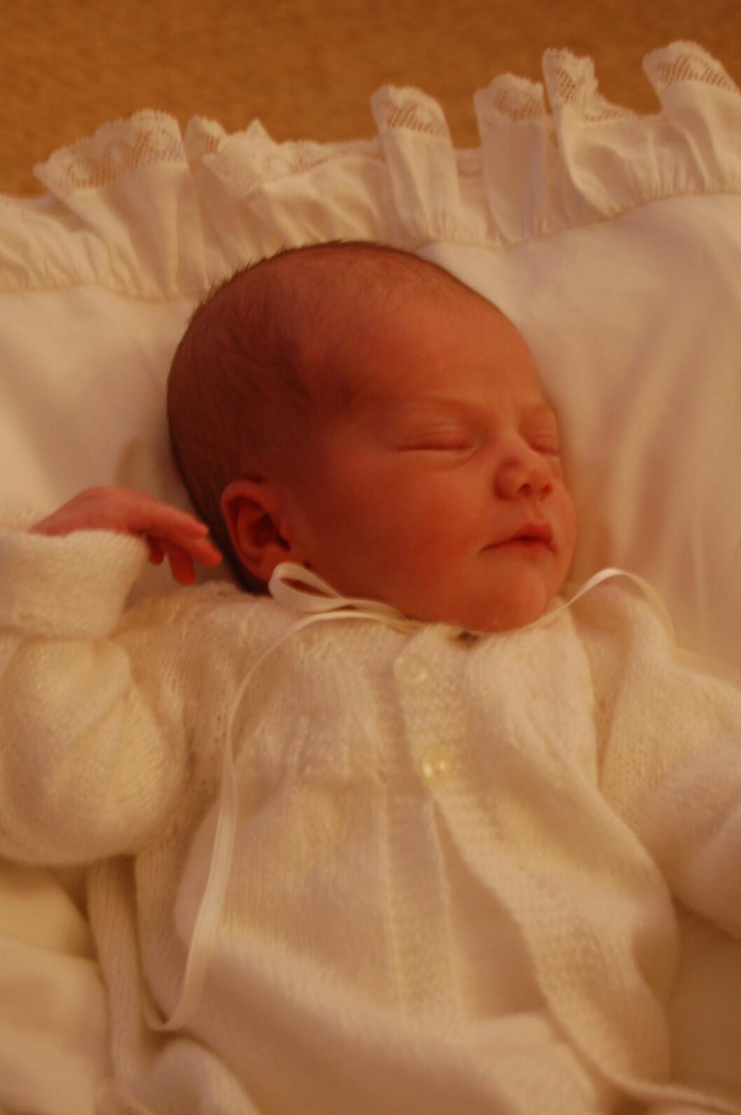 NYFØDT: Hele Sverige jublet da prinsesse Estelle (bildet) kom til verden. Nå har hun blitt fire år og storesøster til lille Oscar. Foto: Kungahuset