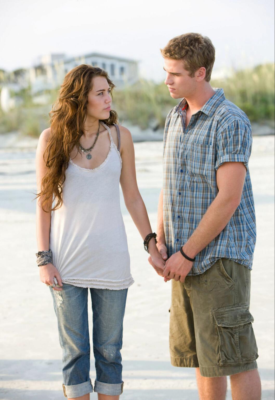 FILM BLE VIRKELIGHET: Liam og Miley forelsket seg for første gang på settet til filmen The Last Song i 2009. Foto: NTB Scanpix