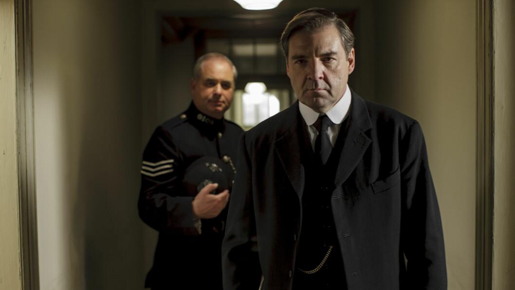 ALKOHOLPROBLEMER: Skuespiller Brendan Coyle (t.h), som spiller karakteren John Bates i Downton Abbey, ble nylig tatt for fyllekjøring.  Foto: Nick Briggs/ITV