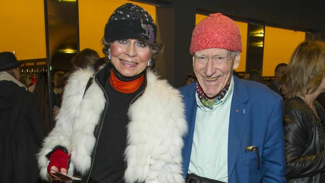 STØDIG PAR: Olav Thon og Sissel Berdal Haga har vært sammen i snart 30 år. De to jobber sammen, i tillegg til å tilbringe mesteparten av fritiden sin i hverandres selskap. Her er de to på premieren på musikalen «Chicago» på Oslo Nye. Foto: Tor Lindseth
