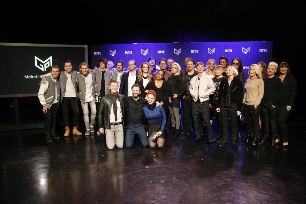 SUPERDUO: Det er Silje (Silya) Nymoen og Kåre Magnus Bergh som skal lede MGP-finalen fra Oslo Spektrum i 2016. Her er de sammen med årets MGP-general Jan Fredrik Karlsen og årets artister.  Foto: NTB scanpix