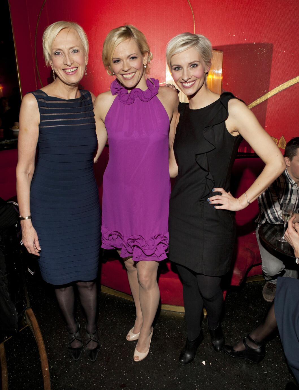 ENDELIG!: NRK-profil Carina Olset synes det var på tide at Anne Rimmen og  Ailo Gaup utvidet familien. Dette bildet er tatt av de to flotte damene i 2012. Foto: Espen Solli / Se og Hør