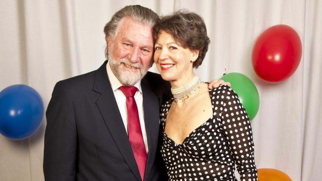 PERLEBRYLLUP: Hans-Wilhelm Steinfeld og kona Julia feirer i år 30 år som mann og kone.  Foto: Tor Lindseth