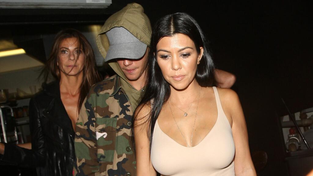 FLØRT: De siste månedene har romanseryktene svirret rundt Justin Bieber og Kourtney Kardashian. Nå letter han endelig på sløret.  Foto: NTB scanpix