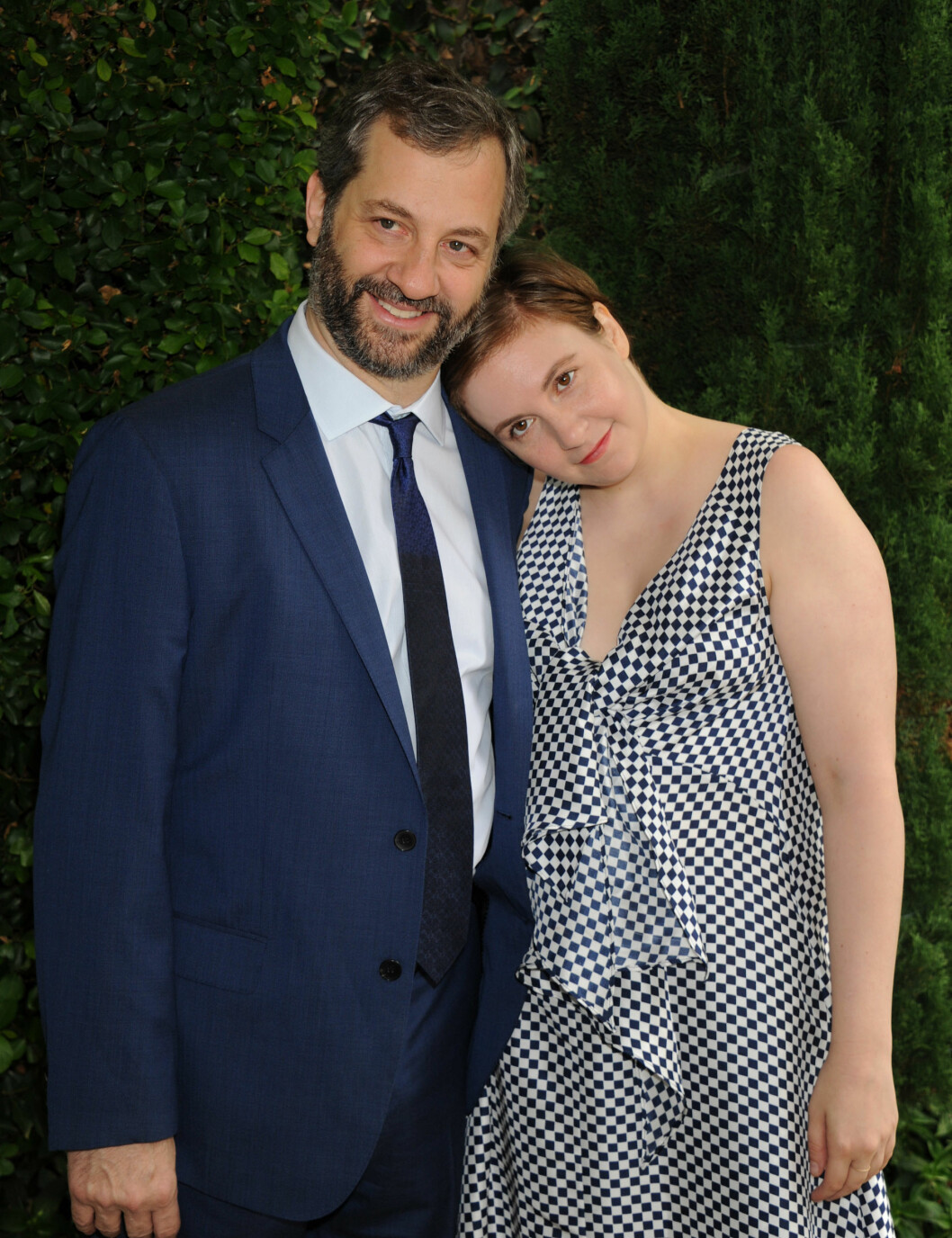 <strong>FORNØYDE:</strong> Regissør Judd Apatow og «Girls»-skaper Lena Dunham er blant Bill Cosbys hardeste kritikere.  Foto: Broadimage