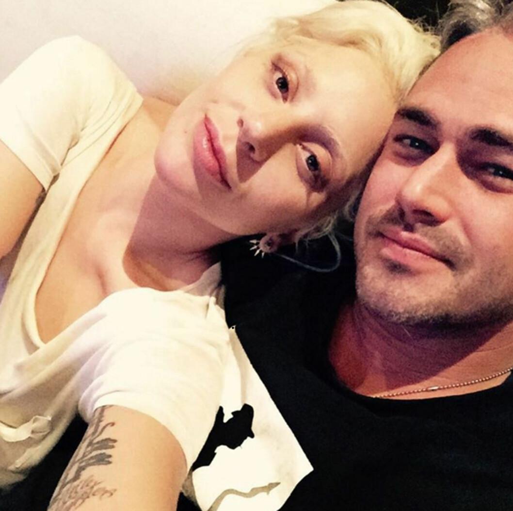 SNART MANN OG KONE: Taylor og Gaga traff hverandre for under innspillingen av musikkvideoen hennes «You and I» sommeren 2011. Kort tid etter ble de kjærester. Foto: Xposure