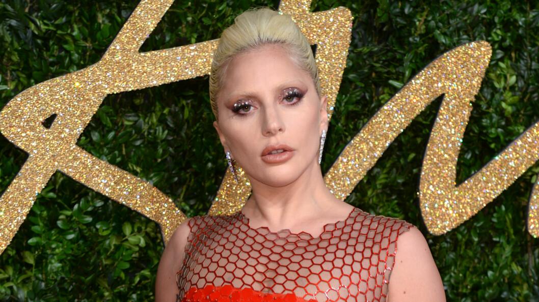 VONDE MINNER: Lady Gaga opplevde marerittet som tenåring. Her under British Fashion Awards i London sist måned. Foto: NTB Scanpix